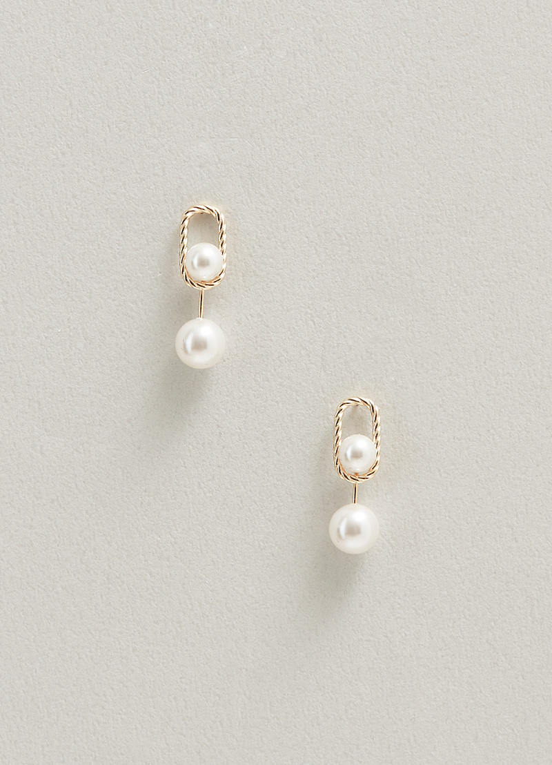 Pearl Layers Earring